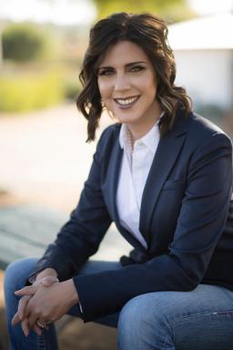 Dr. Wendy Arnold